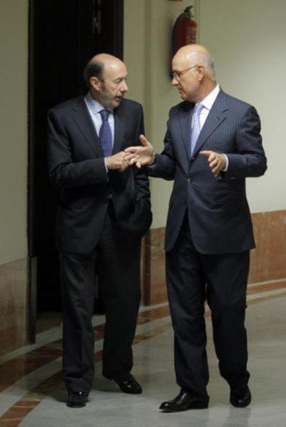 Rubalcaba y Durán charlan el martes en el Congreso.