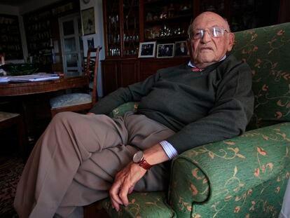 Francisco Rodríguez Adrados, en su casa de Madrid en 2013.