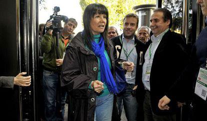 Micaela Navarro, llega al congreso extraordinario del PSOE-A