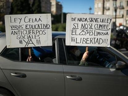 Manifestación en defensa del bilingüismo por el centro de Barcelona.