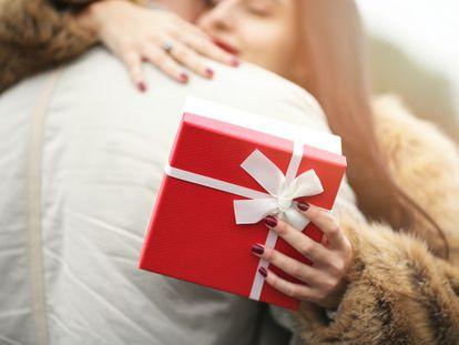 Sorprender a nuestra pareja con un regalo a su gusto resultará más sencillo con estas ideas.