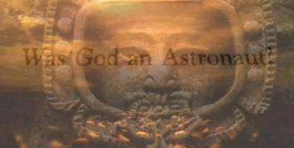 """""""¿Era Dios un astronauta?"""". Fotograma del capítulo de 'El libro de los secretos de EE UU'"""