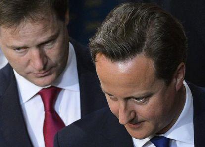 El primer ministro Cameron y su socio Clegg, el pasado día 8.