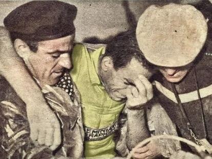 Raphael Geminiani llora tras perder el 'maillot' amarillo.
