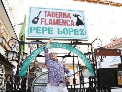 Imagen del documental 'Una isla en el desierto' dirigido por Rafael Robles Gutiérrez 'Rafatal'. La taberna flamenca Pepe López está en Torremolinos, Málaga.