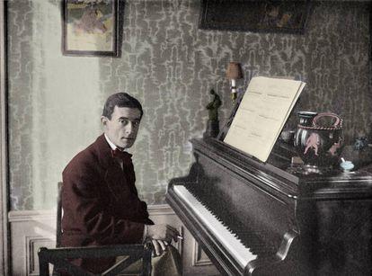 Maurice Ravel fotografiado en su apartamento.