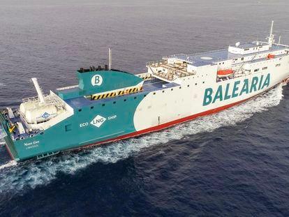 Uno de los barcos de la flota de Baleària.