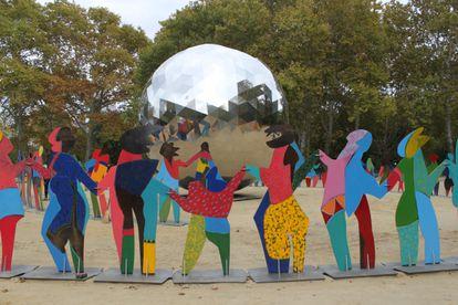 'Universo iluminado', escultura del artista español Cristóbal Gabarrón, colocada por el 70º aniversario de Naciones Unidas en Central Park, Nueva York. La pieza se volverá a instalar por los 75 años de la institución en la plaza de San Pablo de Valladolid.