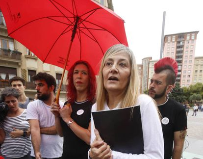 Conxa Borrell y Sabrina Sánchez, dos de las responsables del sindicato Otras, en Barcelona en agosto.