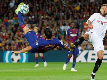 Luis Suárez conecta el remate del primer gol. En vídeo, declaraciones de Valverde y Lopetegui tras el partido.