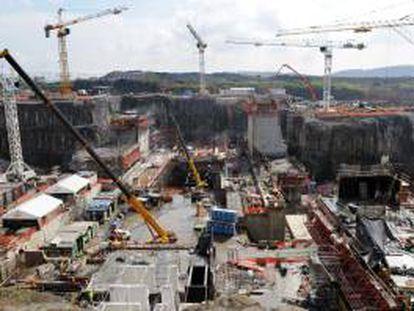 Vista general de los trabajos de ampliación del Canal de Panamá, en la entrada pacífica de la vía interoceánica. EFE/Archivo