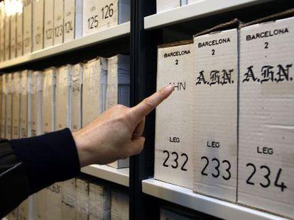 Las primeras cajas que llegaron al Arxiu Nacional de Sant Cugat en 2006 desde Salamanca.