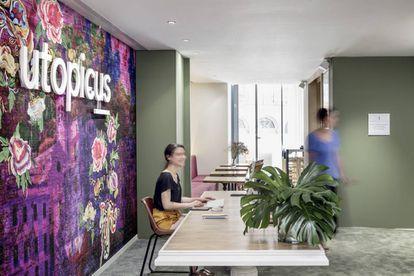 """Utopicus escogió para el diseño de su primer coworking barcelonés a Turull Sorensen, un estudio de arquitectura que nunca había hecho oficinas: """"Nos interesa contaminarnos de otros campos, como el retail o la restauración""""."""