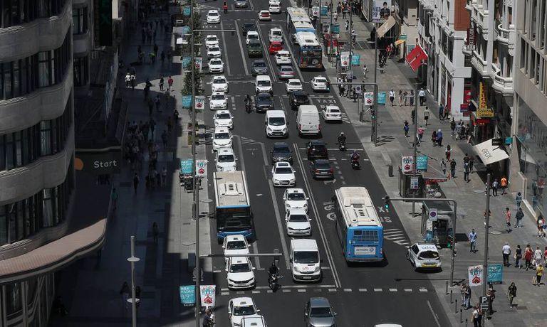 Circulación en la Gran Vía de Madrid antes del estado de alarma.
