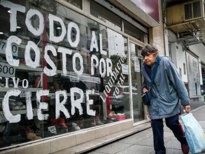 Macri vive un final de mandato agónico, con depreciaciones continuas de la moneda y riesgo de suspensión de pagos