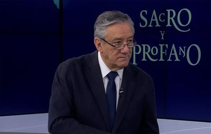 El escritor mexicano Bernardo Barranco, durante una de sus intervenciones en canal once.