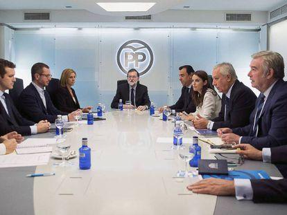 Mariano Rajoy preside la reunión del comité de dirección.