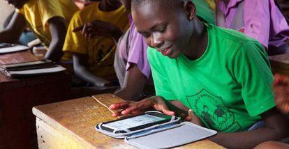 Proyecto en Uganda de la Fundación Worldreader.
