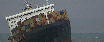 Imagen del mercante 'MSC Napoli' que ha encallado en el Canal de la Mancha