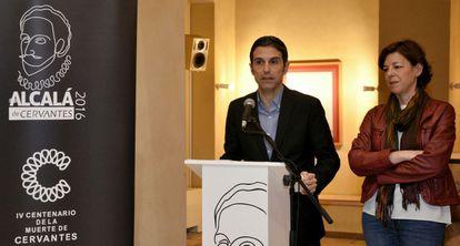 El alcalde Javier Rodríguez Palacios y la concejal de Cultura, María Aranguren.