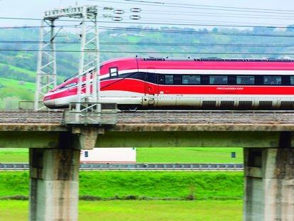Tren de alta velocidad Frecciarossa 1000.