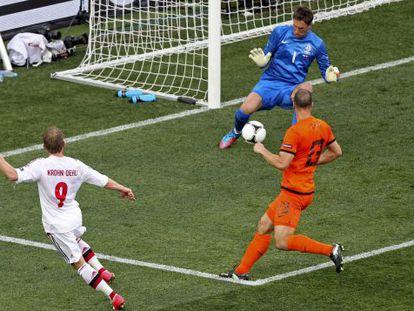 Krohn-Dehli, en el momento del gol.