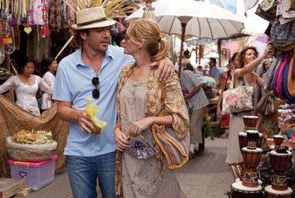 Javier Bardem y Julia Roberts, en una imagen de <i>Come, reza, ama.</i>