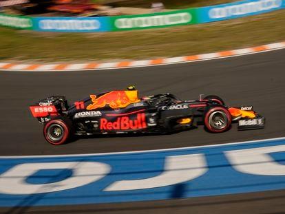 El coche del mexicano Checo Pérez, este domingo en el circuito de Zandvoort.