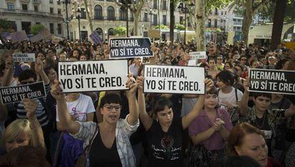 Una de las concentraciones contra la sentencia de La Manada, en Sevilla.