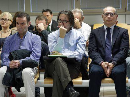 A la izquierda, Esteban Cuesta y en la otra esquina, Enrique Crespo, en el juicio de la pieza principal de Emarsa.