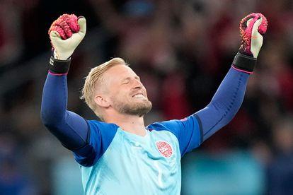 Kasper Schmeichel celebra la victoria de Dinamarca ante Rusia.