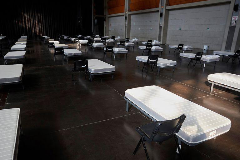 Sala multiusos del Auditorio de Zaragoza acondicionada para acoger pacientes asintomáticos de la COVID-19, el pasado 27 de julio.