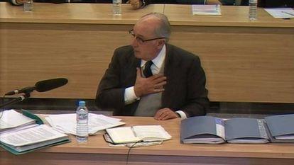 Fotografía tomada de la señal de televisión institucional de la Audiencia Nacional, cuando declaró el expresidente de Bankia Rodrigo Rato ante la sección cuarta de la sala de lo Penal