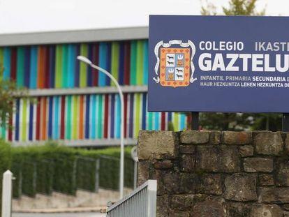 Fachada del colegio Gaztelueta del Opus Dei en Bizkaia