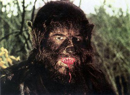 Fotograma de una película del hombre-lobo, interpretada por Paul Naschy