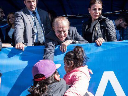 Carlos Menem hace campaña en La Rioja junto a su hija Zulemita.