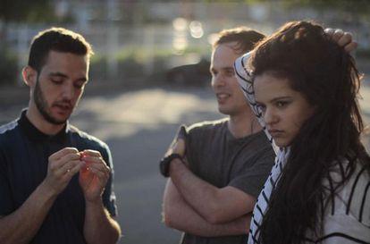 C. Tangana, Alizzz y Rosalía, durante la grabación del vídeo de 'Antes de morirme'.