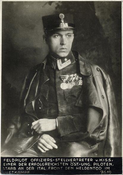 Josef Kiss, piloto húngaro que se estrelló en los Dolomitas en 1918.