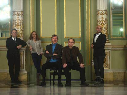 De izquierda a derecha, Josep Pons, Carme Portaceli, Rafael Argullol, Benet Casablancas y Xavier Sábata en el Liceu.