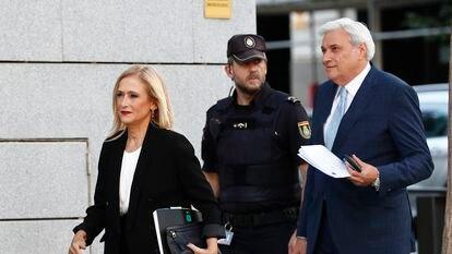 Cristina Cifuentes, llegando a una declaración a la Audiencia Nacional, en Madrid en octubre de 2019.