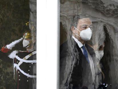 El ex presidente del Banco Central Europeo, Mario Draghi, a su llegada al palacio presidencial del Quirinale, en Roma.