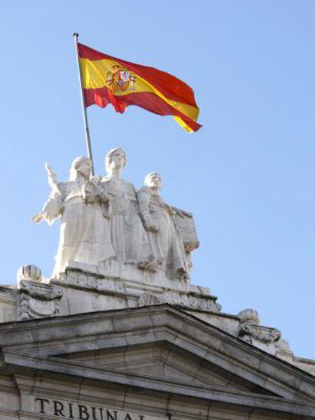 Detalle de la fachada principal del Tribunal Supremo, en Madrid.