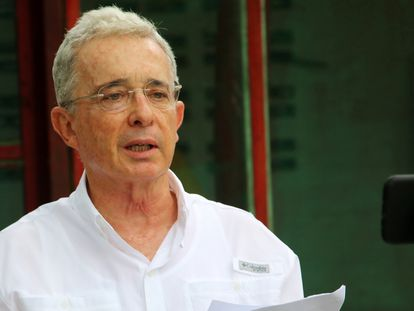 Álvaro Uribe durante su declaración desde su finca El Ubérrimo.