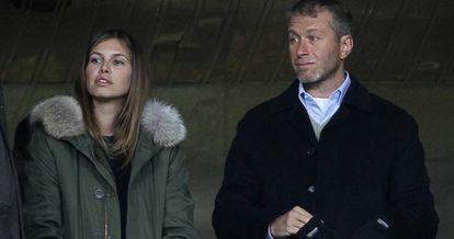 El magnate ruso Roman Abramovich y Daria Zhukova.