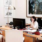 La presidenta de la Comunidad de Madrid, Isabel Díaz Ayuso, en su despacho este domingo.