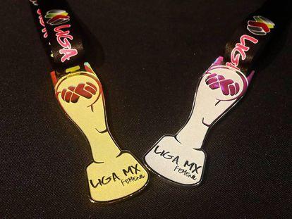 Las medallas que recibirán las futbolistas al ganar el torneo de copa