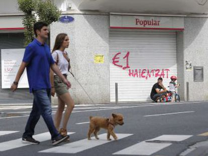 La OCU se persona contra el expresidente del banco Ángel Ron y la auditora PwC por falsedad contable y estafa