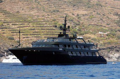 El barco del diseñador Giorgio Armani.