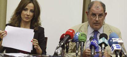 El presidente de la Pymar, Alvaro Platero, y la consejera delegada, Almudena López del Pozo, durante la rueda de prensa que de este miercoles