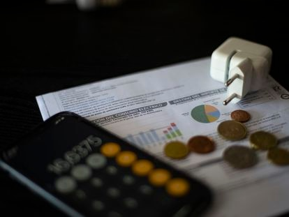 Una factura del consumo de luz.